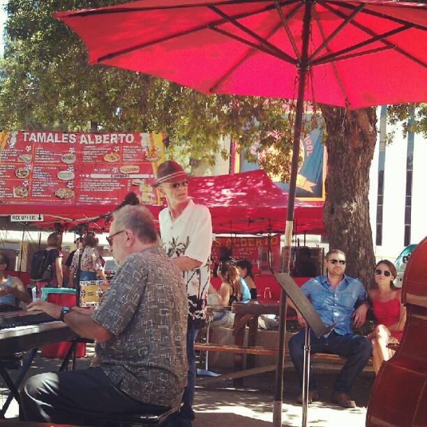 Food court jazz band action! #fleamarketfun #SundayFunday #melrosetradingpost