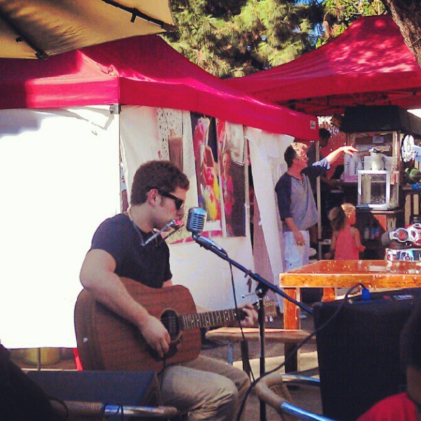 Zak Sobel is killing utter in the food court with his guitar, harmonica and vocals! #LA #music #live #melrosetradingpost