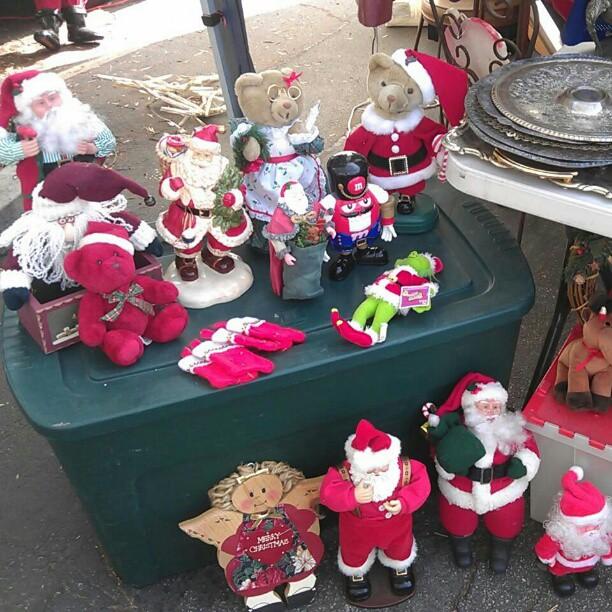 It's so seasonal up in here. #Christmas #Melrosetradingpost #fleamarket #holiday #soseasonal