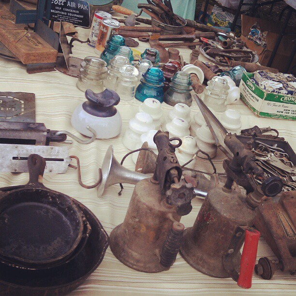 Things and stuff! #Melrosetradingpost #fleamarket #LA #vintage #antique