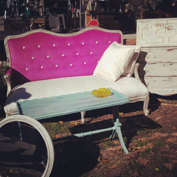 Carlos in G2 has the most fabulous couch! #furniture #Melrosetradingpost #fleamarket #vintage #couch