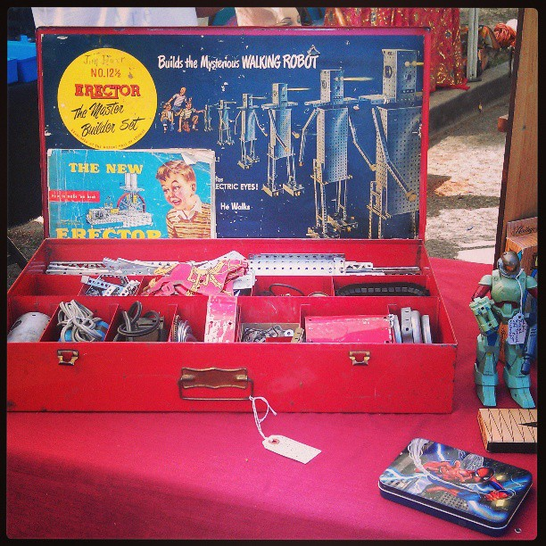 Antique Robot Set anyone? #Melrosetradingpost #losangeles #antique #collectible #robot #toy