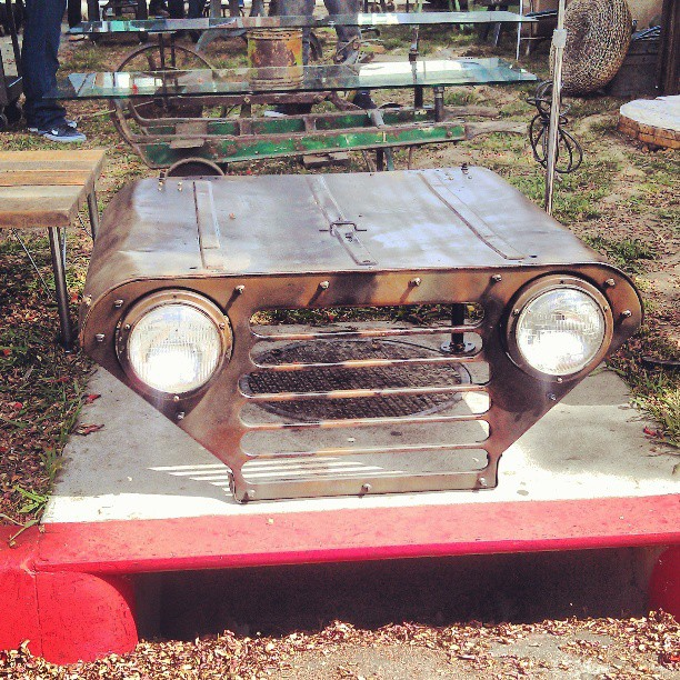 This Jeep hood is now a table! Amazing! G3 #Melrosetradingpost #fleamarket #fleamarketswag #lastyle #jeep #repurpose #recycle #car #auto