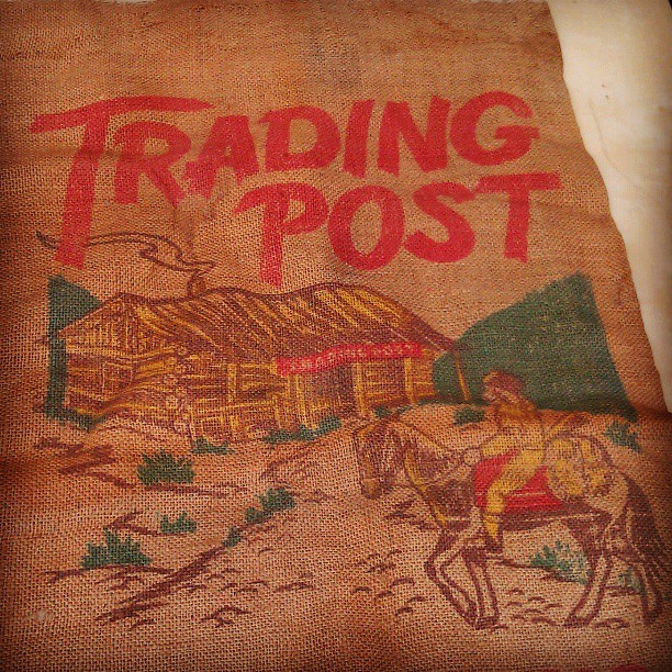 Did you have fun at the #MelroseTradingPost yesterday?? #fleamarket #losangeles #burlap #vintage