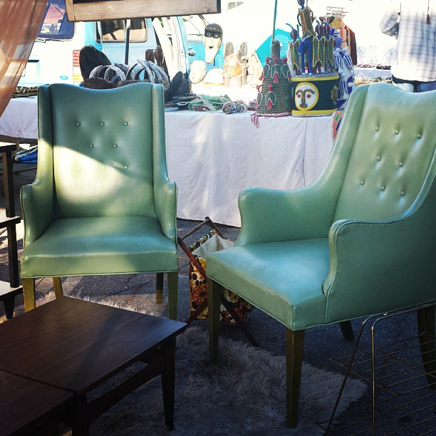 How gorgeous is this pair of vintage armchairs from @upcycledtreasures in B88? Jimmy said they'll be here next week for you to pick up!