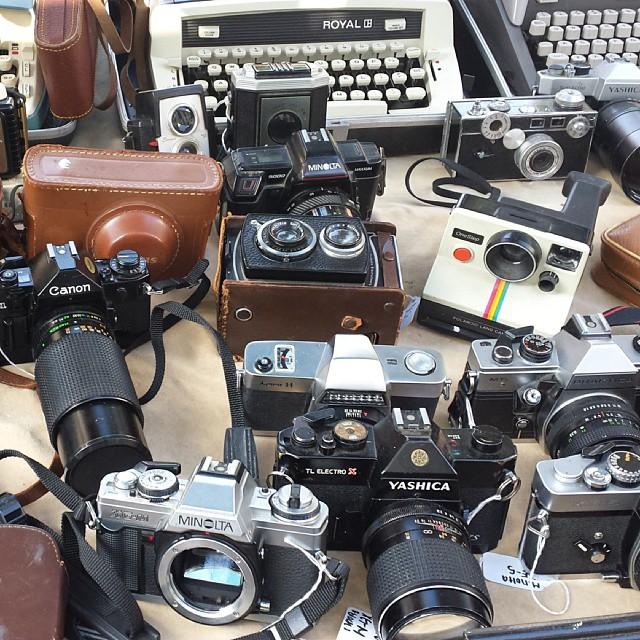 Vintage Cameras!!!!!#melrosetradingpost #fleamarket #photography