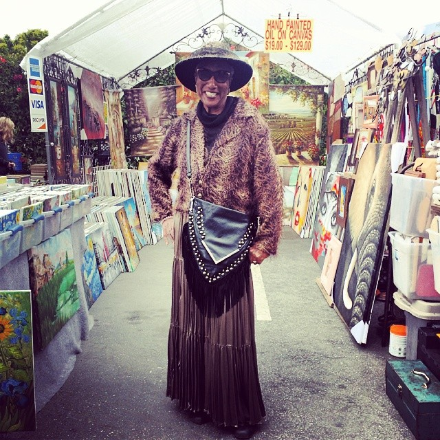 We simply could not resist taking a photo of Carol Williams, the art dealer with THE best hats and outfits in G15!  #MTPfairfax