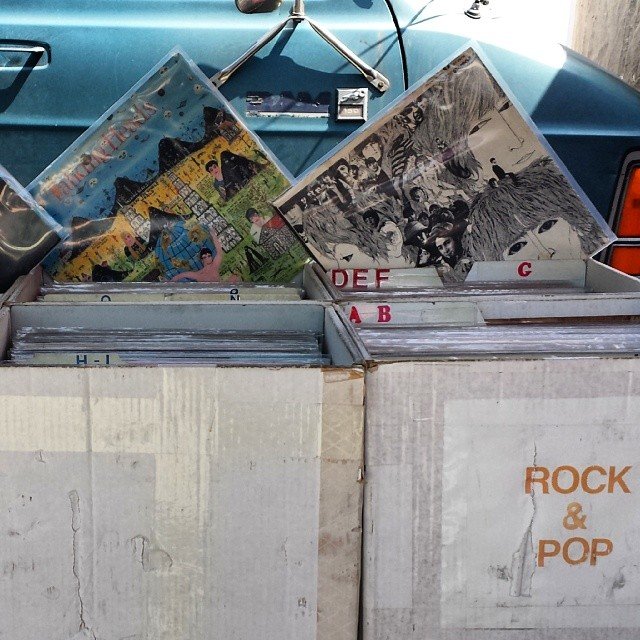 Tim in B101 has #vintage #vinyl #records in impeccable condition. He's a permanent vendor, but the delicate records can't be brought out when it's too hot because they'll melt! #MTPfairfax