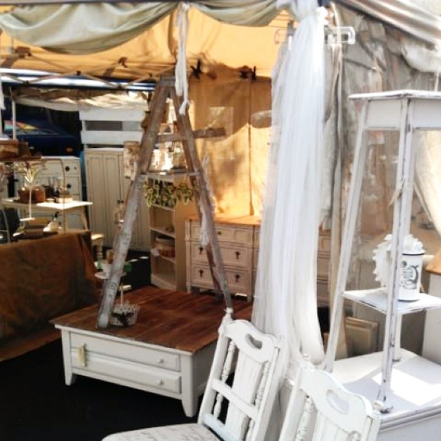 Tony in Y5 has created a #shabbychic haven in his large booth! #MTPfairfax