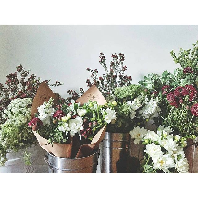 Happy Mother's Day! The always fabulous @whimsyandrow have gorgeous flower bouquets for you and your Mama! #MTPfairfax #ShopLocal #MothersDay