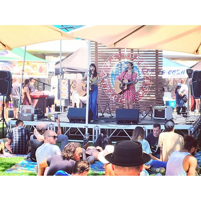 @prettypollyband serenading the MTP Main Stage right now until 4pm.