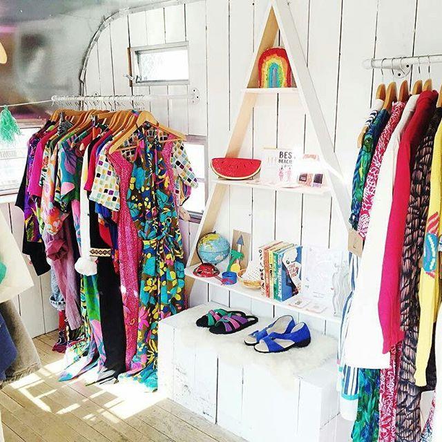 The dreamy rainbow of vintage surprises from @_coasttocoastvintage_ makes our sunny days even brighter! #MTPfairfax #ShopLocal #CoasttoCoastVintage #melrosetradingpost #melrose #fairfax #fleamarket #losangeles #california #sundayfunday #vintage #fashion #vintagestyle #curatedvintage