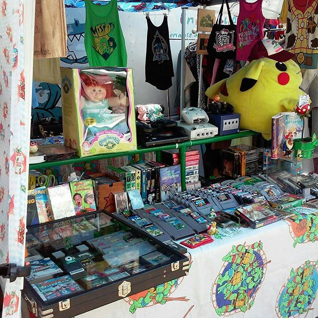 We found a #pokemon in the  @welcometowarpzone booth, Y15!#MTPfairfax#ShopLocal #MelroseTradingPost #melrose #fairfax #fleamarket #losangeles #california #sundayfunday #retrogames #80s and #90s #vintage #videogames  #pikachu #carebears #cabbagepatchkids #supermario #atari #nintendo