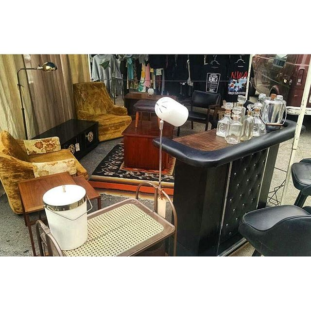 Jimmy of @upcycledtreasures has set up his lovely vintage booth in B88.  Check out his awesome instagram account filled with gorgeous mid-century vintage furniture and home decor. #MTPfairfax #ShopLocal #MidCentury #VintageStyle