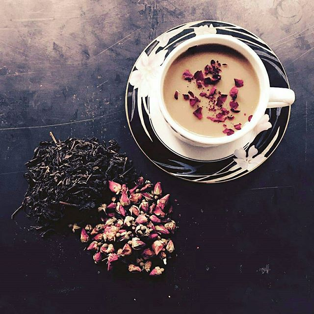 We cannot wait to try the new Black Rose Tea Late from @melrosemixology -  They brew Pu Erh & Assam Black Teas with Pink and Red Rose Petals then add a Madagascar Vanilla Simple Syrup and Almond Milk. Light. Refined. Delicious. Hot or Iced. #tea #organic #local #cafe #coffee #teas #teasnob #tealife #lifestyle #mtp #croftalley #caffeine #buzz #mixology #rose #vegan #melrosetradingpost #melrose #fairfax #fleamarket #losangeles #california #sundayfunday #MTPfairfax