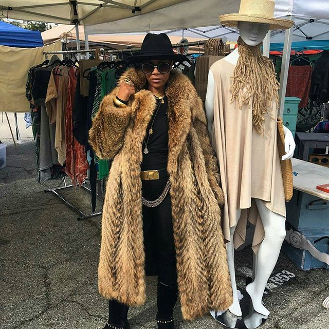 Repost from the ever-lovely @linniedrew -  When your #vendor friends give you life!IT'S NOT A TREND...IT'S A LIFESTYLE!#VendorLife #shoplocalLA  #MelroseTradingPost #melrose #fairfax #fleamarket #losangeles #california #sundayfunday #MTPfairfax #Linniedrew