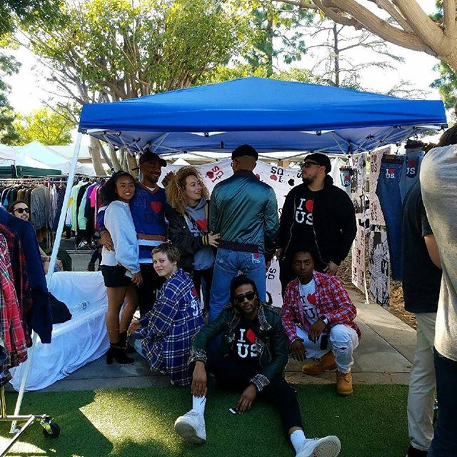 Thank you to everyone who came out to support the awesome artists, collectors, curators, designers, musicians and makers who made today a BEAUTIFUL #SundayFunday!!Our intern Karla took this photo of @Tj.mixxed and his friends. Friends make the world go round! See you next Sunday!#MelroseTradingPost#mtpfairfax #melrose #Fairfax #fleamarket #losangeles #california #sundayinla #shoplocalla #shoplocal #peopleofmtp #friends