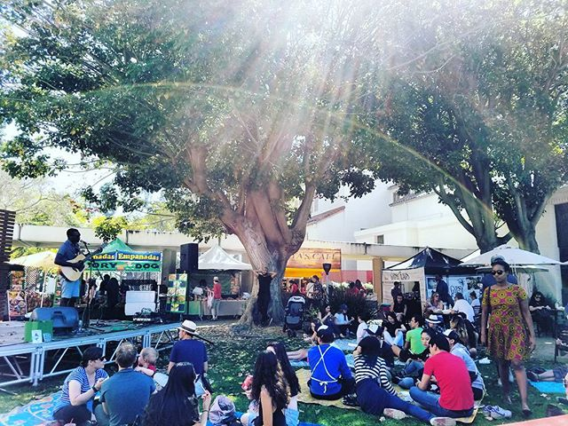 Thank you to everyone who shared their sunny #SundayFunday with us!  What a beautiful way to finish our #LAWinter. See you next Sunday! #MelroseTradingPost #mtpfairfax #melrose #Fairfax #fleamarket #losangeles #california #sundayinla #shoplocalla #shoplocal #peopleofmtp