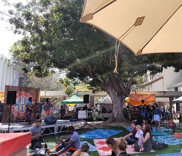 It is such a beautiful day!! #MelroseTradingPost #mtpfairfax #MusicofMTP #melrose #Fairfax #fleamarket #losangeles #california #sundayinla #shoplocalla #SundayFunday #shoplocal