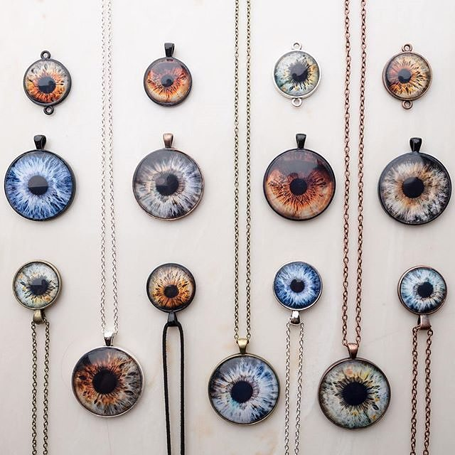 Third eye, fourth eye, how many eyes do you want?  The good people of  @theiris.project will be at the Melrose Trading Post this Sunday to photograph your beautiful eyes!Repost: Purchase your own eye pendant this Sunday at  the Melrose Trading Post!#collectthemall #universe #melrosetradingPost #hollywood #eyelikeit #beautiful #beauty #makeup #eyes #losangeles #california #Sundayfunday #shoplocalla #sundayinla #shoplocal #theirisproject #travel #adventurer #nomand #modern #explorerbabes #Mtpfairfax : @theiris.project (@irisgilad )