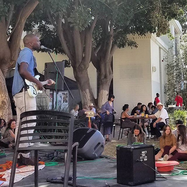 Thank you to everyone who spent their Mother's Day #Sundayfunday with us!  Hopefully you got to hear some of LA's talented musicians on our two stages.  Here we have Christopher Watson (@cgwmusic) playing to folks as they enjoy the sunshine. See you next Sunday!.#Melrosetradingpost #Mtpfairfax #melrose #fairfax #fleamarket #losangeles #california #Musicofmtp #livemusic #losangelesmusic #sundayinla #shoplocal #supportlocalartists