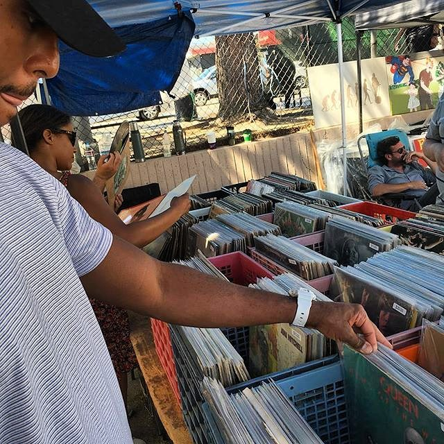 This guy knows how to do Sundays the right way:Hit up the flea market in #melrose and ended up copping a Jackson Five and Marvin Gay vinyl..#melrosetradingpost #losangeles #vinyl #music #vintage #california #mtpfairfax #peopleofmtp #musicofmtp #Fleamarketfind #vinylrecords #melrose #fairfax #fleamarket #sundayfunday #sundayinla #shoplocal : @32st_