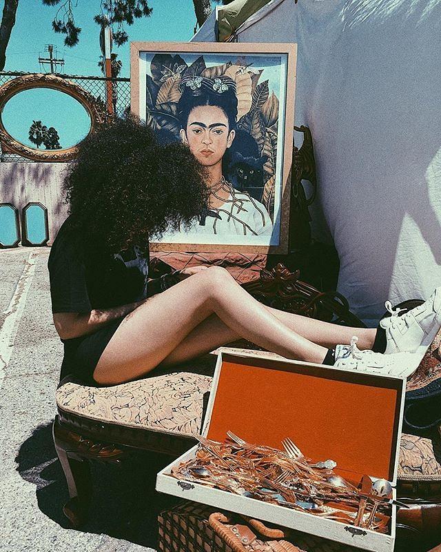 Flea Market Scenes#SundayFunday at the Melrose Trading Post!#wisdom #unicorn #mamiwata #curlyhair #mixedgirl #mermaid #mermaids #mermaidlife #mermaidgang #mermaidians #melrosetradingpost#apuletown #vintage #35mm #film #filmphotography #fleamarket #mtpfairfax #melrose #fairfax #losangeles #california: @mermaidgang