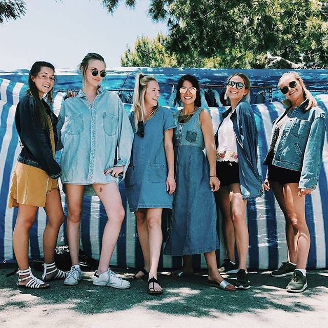 On Sundays, we wear denim. #Melrosetradingpost #Mtpfairfax #melrose#fairfax #fleamarket #losangeles #california #Sundayfunday #shoplocalla #bestfriends #fleamarketcrew #sundayinla #shoplocal #vintage #vintagelife #denim #denimfordays #Repost from @mirandaflorer ... our vintage denim brings all the hipsters to the yard.