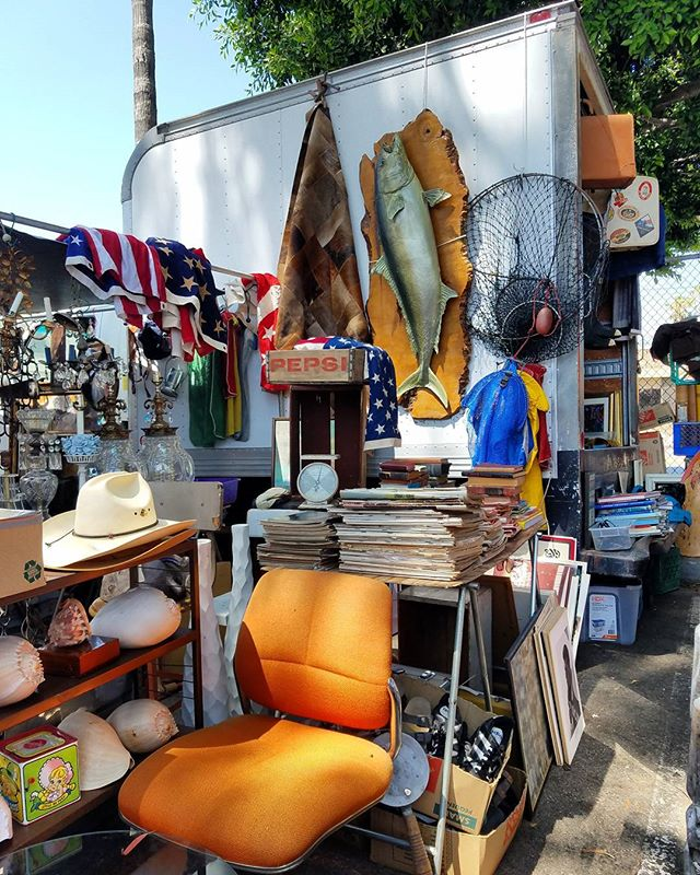 You never know what you'll find at the #MelroseTradingPost! Thank you for spending your Sunday supporting local artists, designers, artisans, makers, collectors and the Fairfax High School Community.See you next week!#melrose #fairfax #fleamarket #losangeles #california #Sundayfunday #shoplocalla #sundayinla #fleamarketfind
