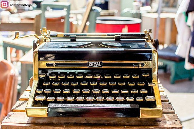 Title: A thing of beauty⠀⠀[35mm] [F/4.0] [HDR]⠀⠀#beyourselfandcreate⠀#35mmphotography #typewriter #royaltypewriter #goldplated #beauty #design #limitededition #hdr #melrosetradingpost #losangeles #fairfaxdistrict⠀#Melrose #fairfax #nikond7200 #nikonusa ⠀⠀@typewriterconnection @melrosetradingpost#Repost from @anthonyortega