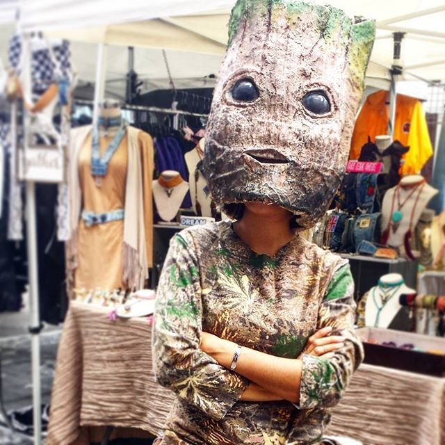"""I am groot"" :)) Groot at Y3 with @rxcandles. Amazing Costume!! #guardiansofthegalaxy#melrosetradingpost#losangeles #California #fleamarket #halloween"