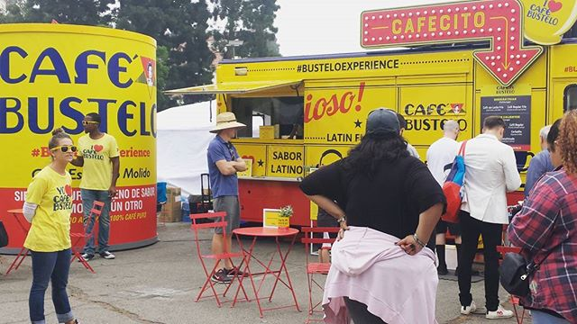 Can't miss this big yellow truck hahaha :3 Grab your coffee here .. #busteloexperience #melrosetradingpost #fleamarketsunday #losangeles #California #Mtpfairfax