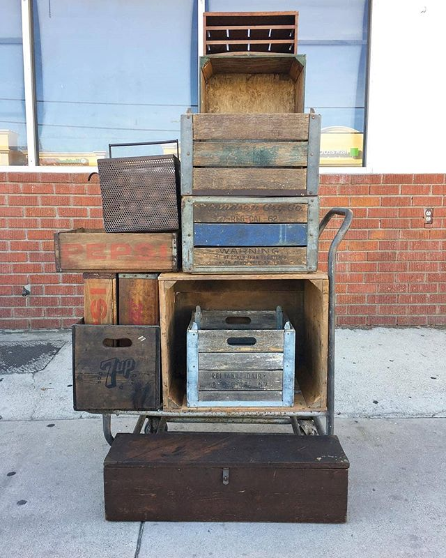 We are excited to have @reds_antiques in B24 tomorrow at the #Melrosetradingpost!