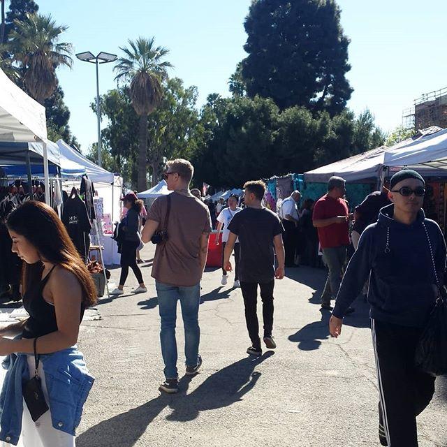 Hmm... It's a pretty warm day to go shopping ;) #melrosetradingpost #mtpfairfax #Melrose #fairfax #fleamarket #losangeles #california #Sundayfunday #fleamarket