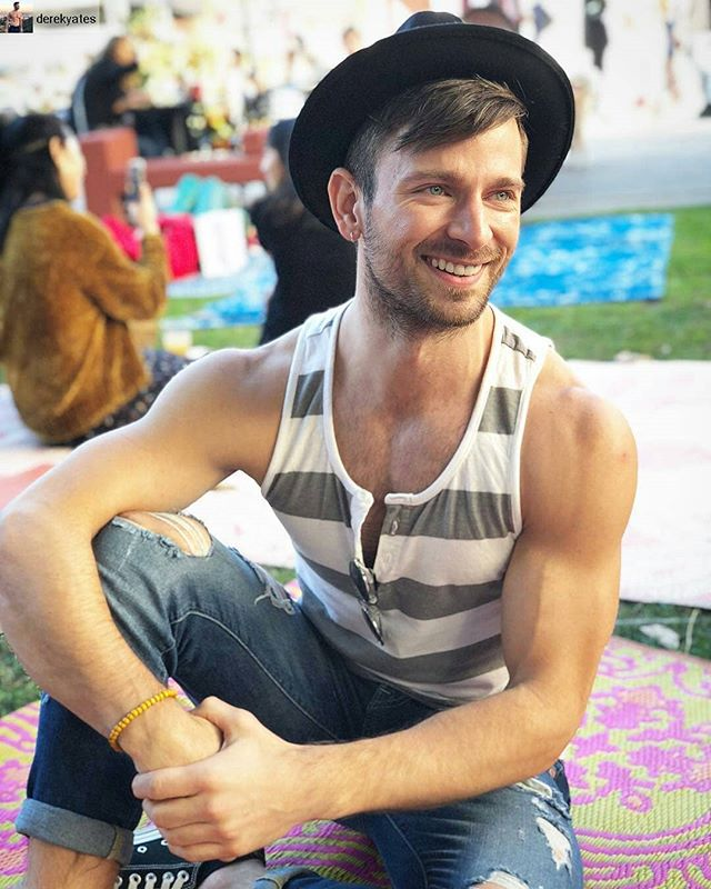 Photo from @arthurbryanmarroqui of @derekyates ... Just smile ...#melrosetradingpost #losangeles #fleamarket #sundayfunday #california #ShopLocalLA #melrose #fairfax #ShopLocal #smallbusinesssaturday #supportsmallbusiness #sunday