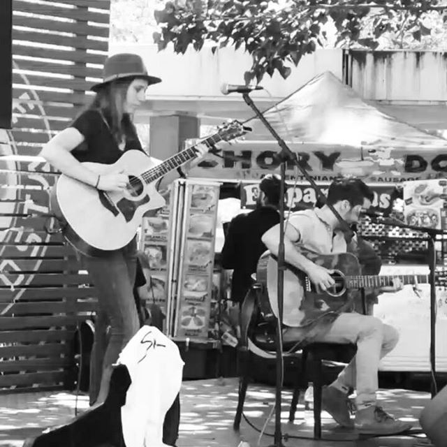 @skoutoutloud is on stage now!!Don't miss 'em #melrosetradingpost #Musicofmtp #melrosetradingpost #Mtpfairfax #fleamarketsunday #losangeles #california #Sundayfunday #fleamarket