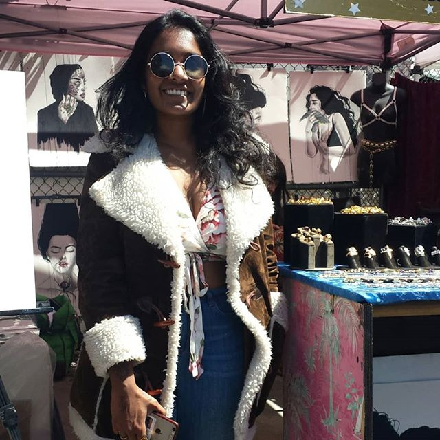 Amna works for @vidakush who sells beautiful jewelry and has art work posted everywhere in there booth. You can find this booth at G8. @vintageredeux is their neighbor/partner, G7, and they sell clothing (the last pic) #melrosetradingpost #mtpfairfax #Melrose #fairfax #fleamarket #losangeles #california #Sundayfunday