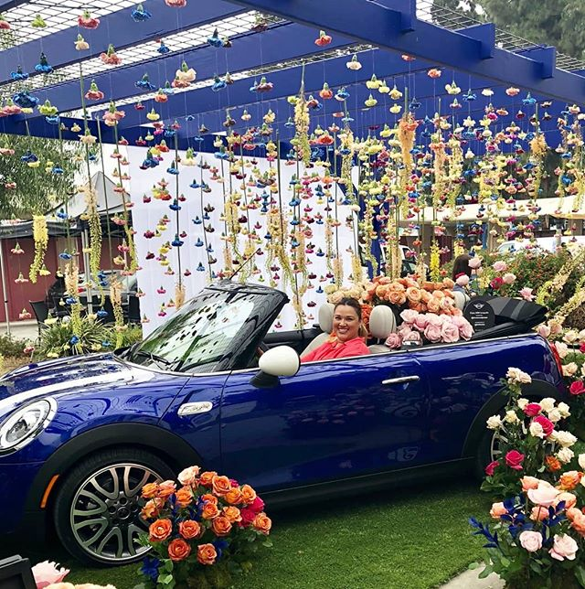 Our special surprise for market goers today is this gorgeous floral set up with @miniusa! Get a beautiful little bouquet of flowers from Mini in the courtyard!This gorgeous design is by Maurice of @bloomandplume! ...#melrosetradingpost #minimoments #stopandsmelltheroses #melrose #fairfax #fleamarket #losangeles #sundayinla #flowerpower