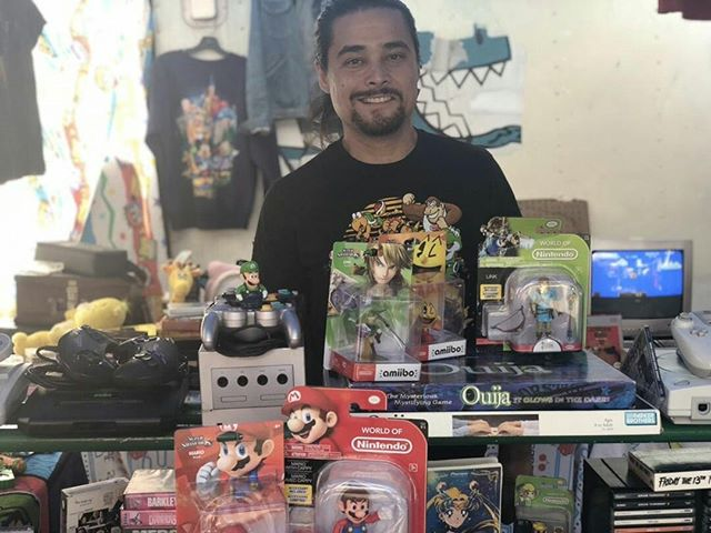 Be sure to browse @wade_mcl collectors items as well as fun and intresting videos games this upcoming sunday at #melrosetradingpost #mtp #sundayfunday #melrose #games #videogames