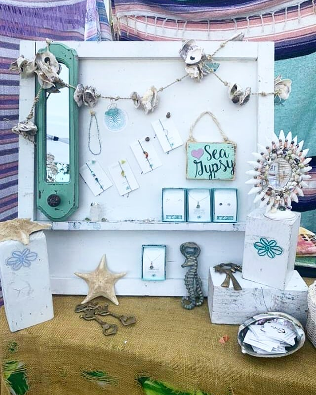Come and browse our amazing vendors booths, enjoy the atmosphere, and eat amazing food at #melrosetradingpost! This lovely picture is from @seagypsycalifornia booth who offers everything you need for your mermaid lifestyle. ...#sundayfunday #mermaidlife #losangeles #Melrose #fairfax #fleamarket #sundayinla #seagypsy #seagypsycalifornia