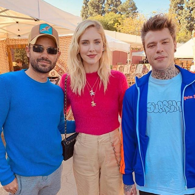 Love to see people having a good time at the market... post: @egetutuncu #sundayfunday #losangeles #fashion #fedez #style #fashionista #forbes #chiaraferragni #chic