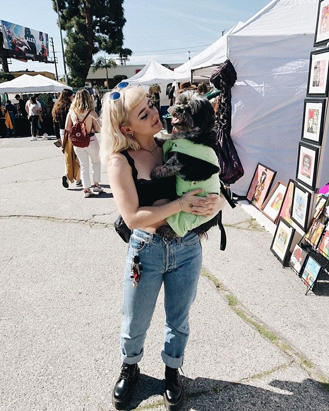 Get your pups ready for tomorrow at the Melrose Trading Post hope to see you all there !⠀⠀Photo: @jadeyladey12 ⠀⠀#bethereorbsquare #shoplocal #sundayfunday #puppy #dogsofinstagram #cute #style #fashion #explore #toocute #follow #bethere #sunlight #market