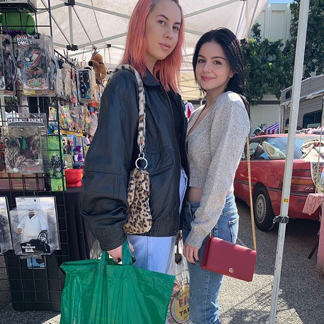 We enjoy meeting new people every Sunday at #melrosetradingpost • • • • •#arielwinter #jessiebriggs #shoplocal #losangeles #melrose #follow #viral #flow #glow #glowing