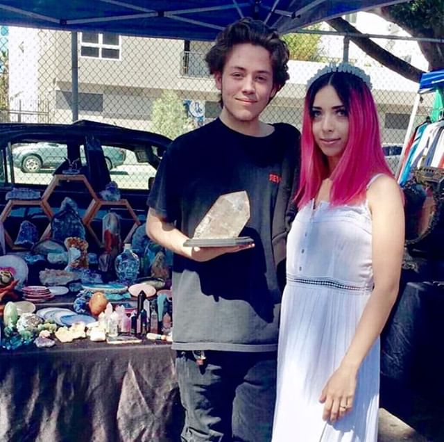 Be sure to stop by and browse through many different eclectic booths like @noratreasures on Sunday.⠀⠀@mysticclearcrystals @ekat19 @blairvicious ⠀⠀⠀⠀⠀⠀⠀⠀⠀#melrosetradingpost #style #shamless #cute #adorable #fashion #bethere #toocool #glow #ethancutkosky